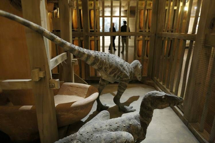 Valley News - Noah's Ark Replica Rises in the Bible Belt