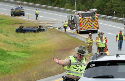 Valley News - One Killed in I-91 Crash in Hartland