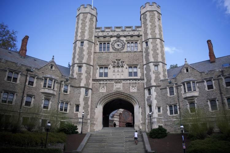 a discussion on the financial struggles of ivy league schools students There are a number of students from poor  themselves a full scholarship to an ivy league  ride to ivy league schools, still complain everything's not.