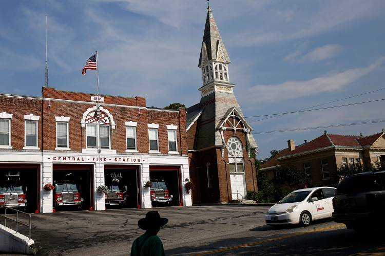 Valley News Newport Church Buys Claremont Building For 700