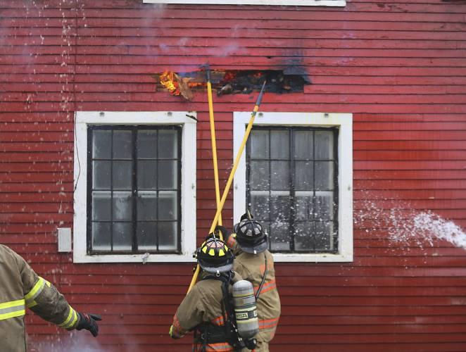 Valley News - Fire breaks out in Bennington College building