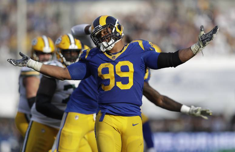 Valley News Nfl Roundup Rams Defense Stands Up To Packers