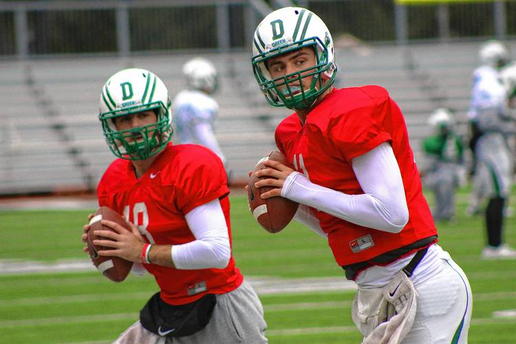 Valley News Big Green Adds Transfer Qb From Florida