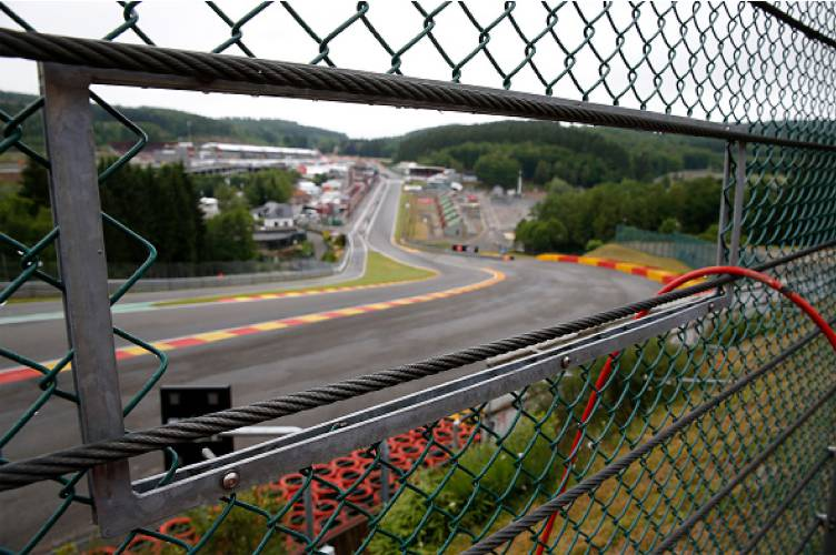 Valley News Quechee Gorge Fence Installation Behind Schedule