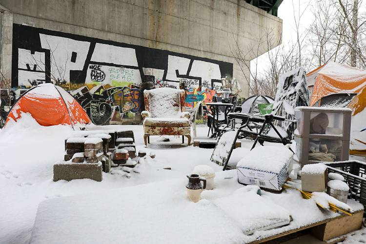 Christmas Volunteering 2020 In Vt Valley News   Homeless for the Holiday: 'Merry Christmas,' Then