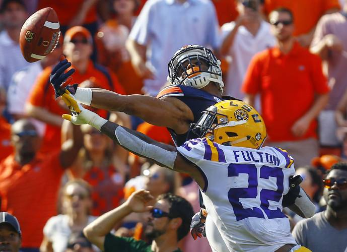 new product 2feaa 28857 LSU cornerback Kristian Fulton (22) breaks up a pass in the end zone  intended for Auburn wide receiver Darius Slayton (81) during the first half  of an NCAA ...