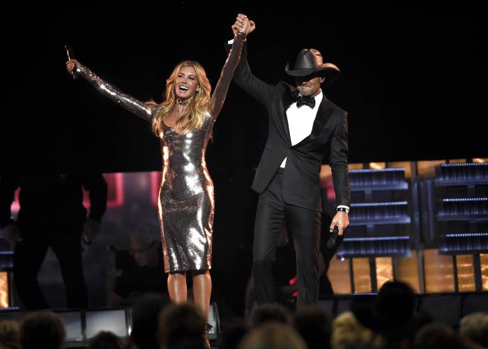 Valley News Their Chemistry Makes Faith Hill And Tim Mcgraw A Top Act