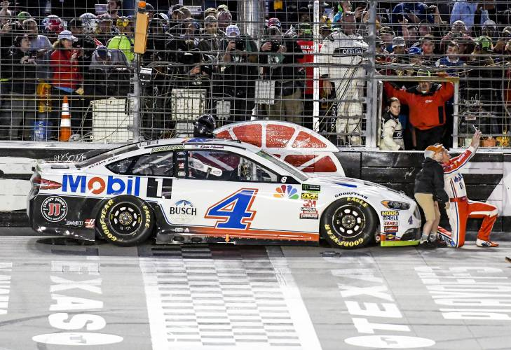 Harvick S Le Dream Takes A Hit From Nascar Inspectors