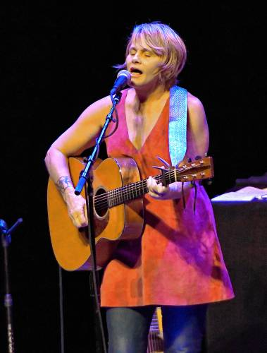 valley news highlights shawn colvin brings a band to lebanon. Black Bedroom Furniture Sets. Home Design Ideas