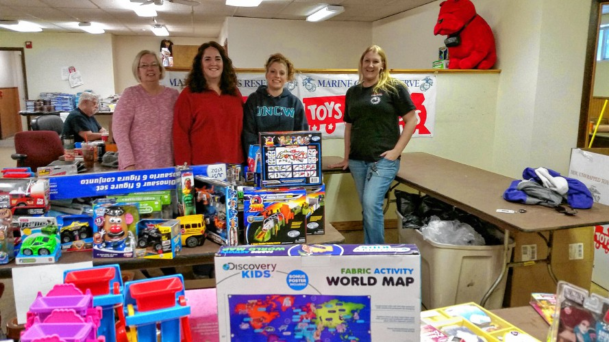 Toys For Tots Volunteer : Valley news toys for tots effort well underway for holiday season