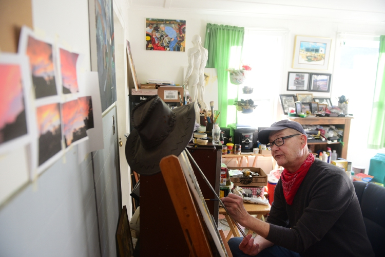 valley news in watercolors claremont veteran draws on his