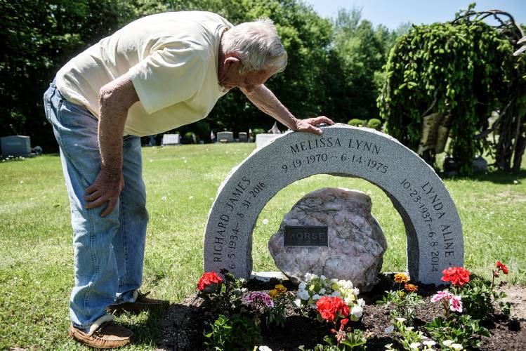 valley news engraving error put date on wrong gravestone in sunapee