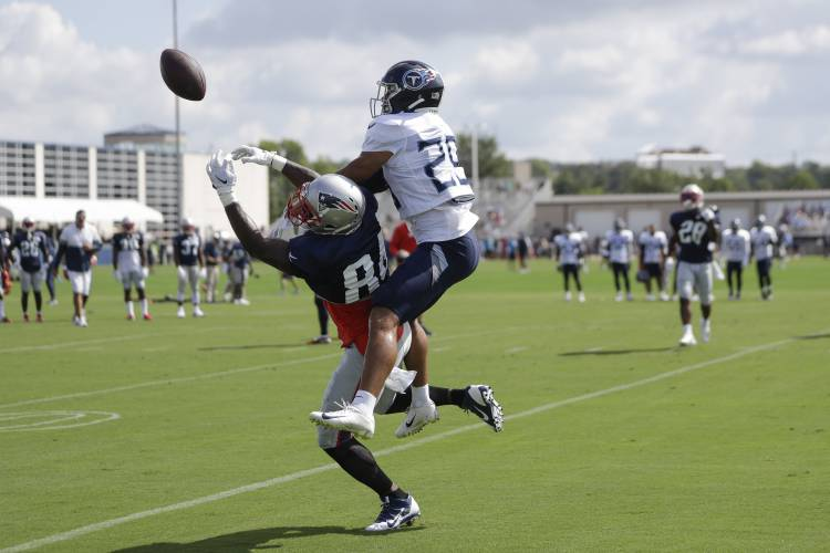 67a809a9 Valley News - It's reunion time for Pats, Titans at joint practice