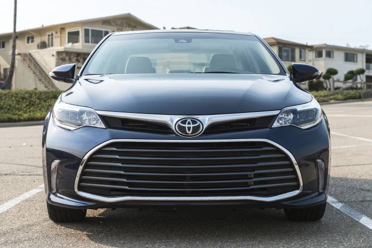 Auto Review 2017 Toyota Avalon