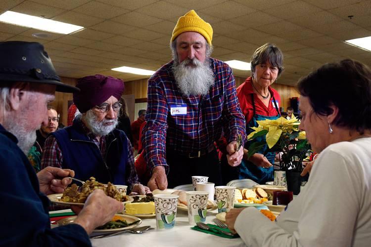 Christmas Eve Services Near Me 2020 Newbury Vt Valley News   Lebanon Christmas Day Dinner Brings Community