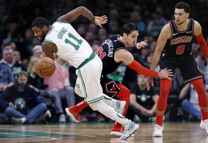 super populaire ab751 709ad Valley News - NBA Roundup: Irving, Celtics Drub Chicago