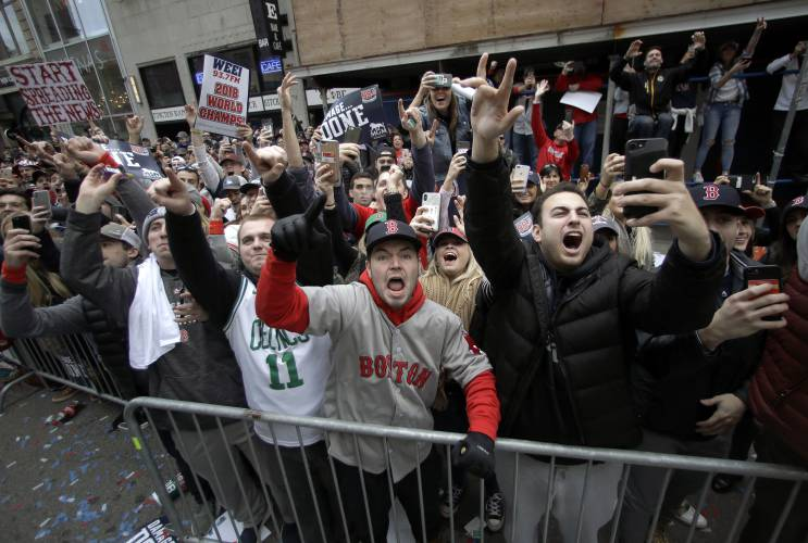 9b5bf4b00939ff Boston Red Sox fans cheer during a parade to celebrate the team's World  Series championship over the Los Angeles Dodgers, Wednesday, Oct. 31, 2018,  ...